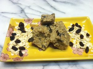 oatmeal-cookie-protein-bars